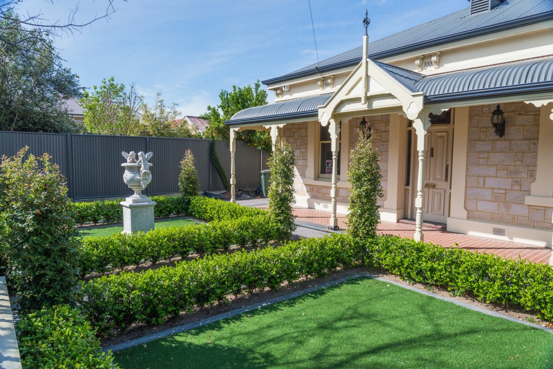 Formal front garden adelaide garden design solutions for Outdoor garden designers adelaide